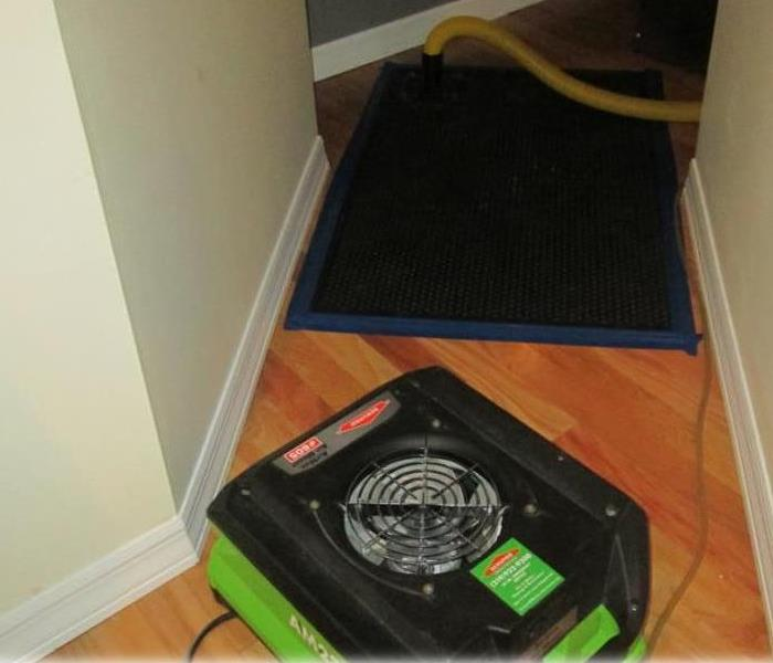 Hardwood Floor Drying Mat System